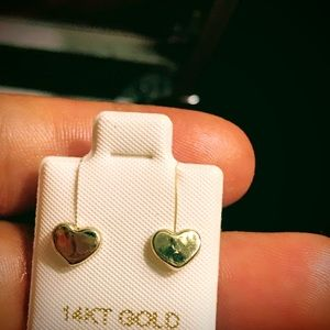 10k solid yellow gold heart shape stud earrings